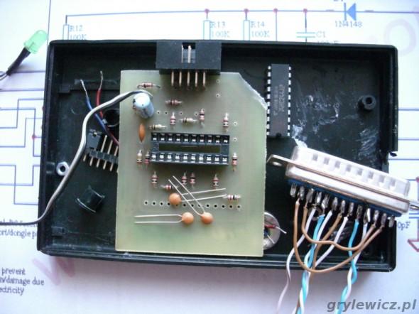 Częściowo zmontowany STK200
