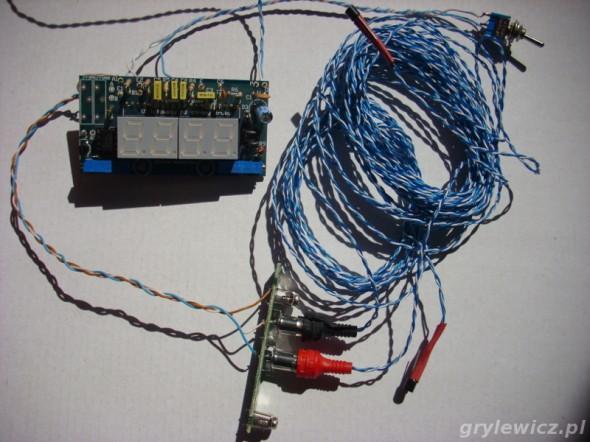 Zmontowany termometr dwukanałowy