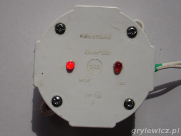 Multiwibrator zamknięty w puszce IP41
