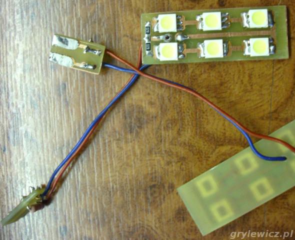 Lampki LED w drzwi VW Passat