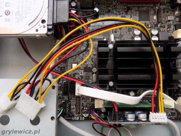 Zasilacz Pico PSU w komputerze