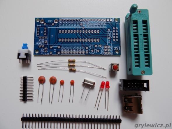 Zestaw elementów do budowy płytki AVR