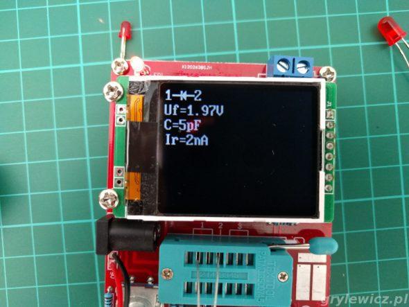 Pomiar pomarańczowej diody LED